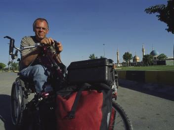 Mit dem Rollstuhl durch Teheran