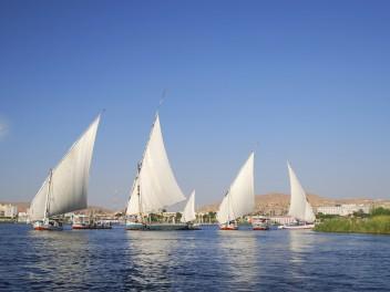 Mit der Dahabiya auf dem Nil