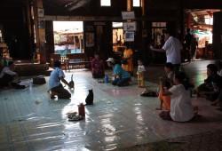 Zu Besuch im Nga Phe Kyaung-Kloster