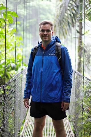 Jan Swarat im feuchten Regenwald Costa Ricas