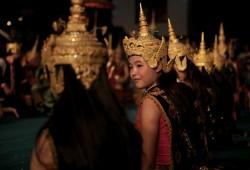 Bei einem traditionellen Tanz wird die Geschichte von Ramayana erzählt.