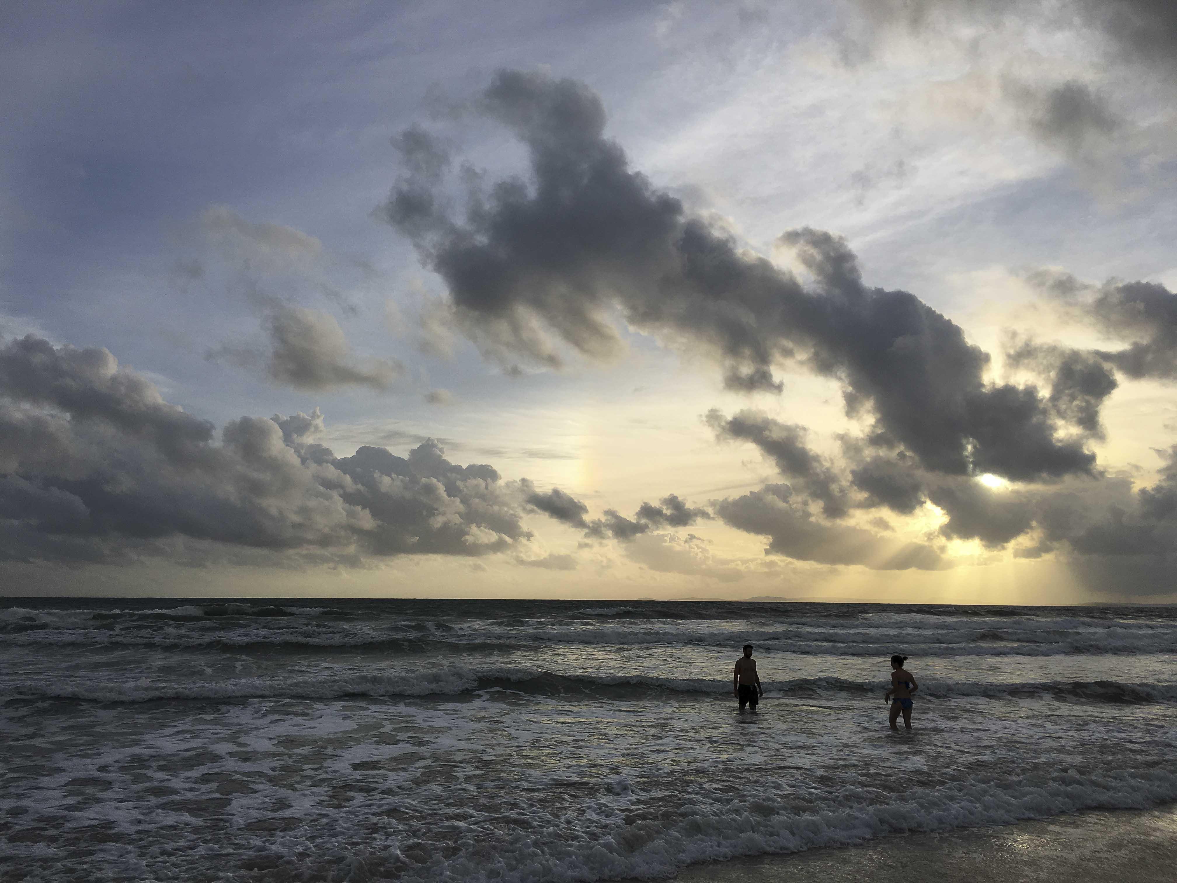 Man muss nicht unbedingt auf die Insel - die Strände des Otres Beaches I und II sind durchaus schön