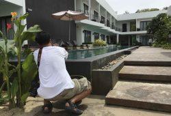 Path Mey nimmt sich bei unserer Hotelinspektion auch Details genau vor