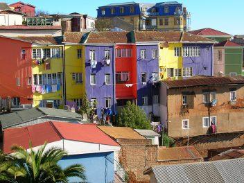 Die Stadt der 40 Hügel und bunten Graffitis